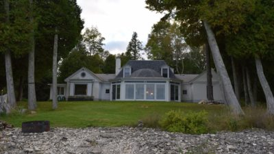 Bagatelle Lakefront Home On Kinsey Bay