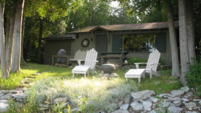 Whispering Pines Romantic Lakefront Cabin Lundquist